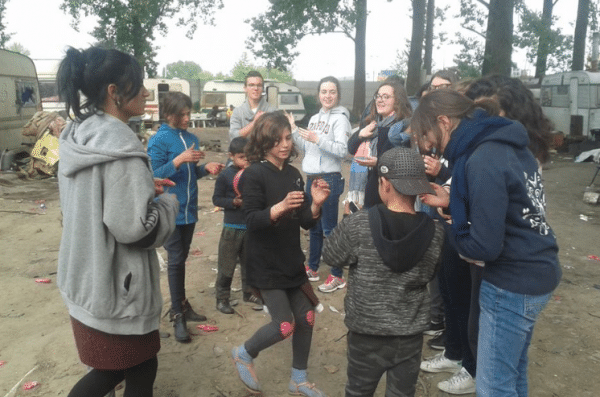 Jeu avec enfants roms